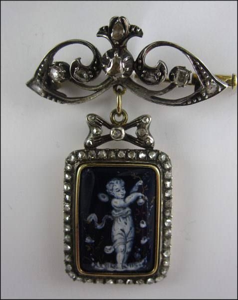 Goud, zilver broche, Putto, email, roosdiamant