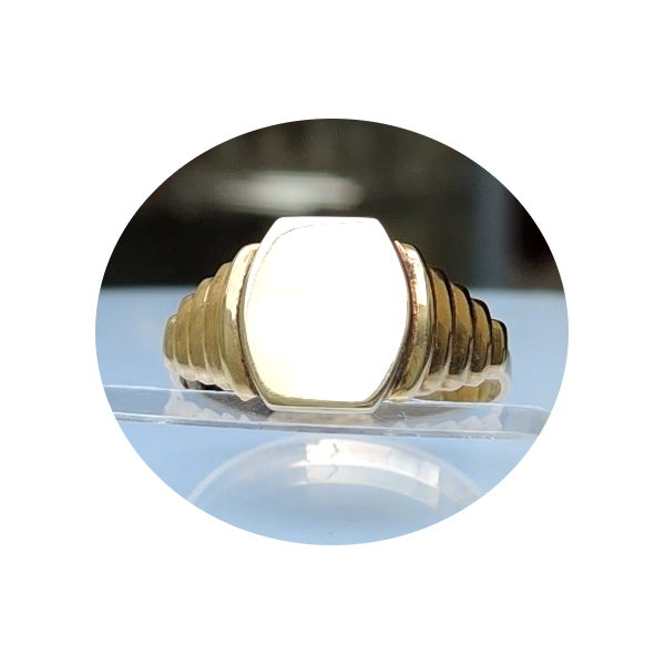 Zegel ring, 10 mm, 14krt. geel goud.