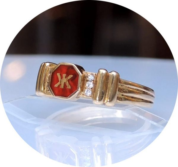 Korloff, ring, diamant, rood emaille, 18K